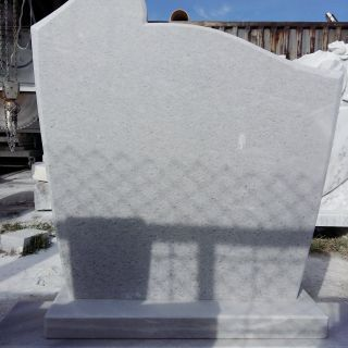Надгробен паметник от мрамор Модел 19