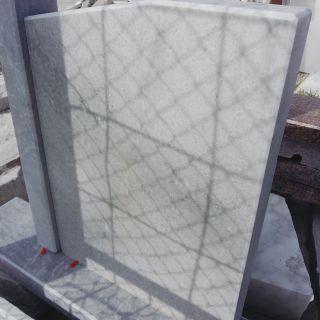 Надгробен паметник от мрамор Модел 20
