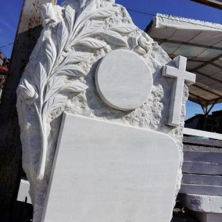 Надгробен паметник от мрамор Модел 6