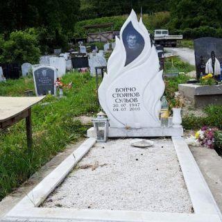 Надгробен паметник от мрамор Модел 82