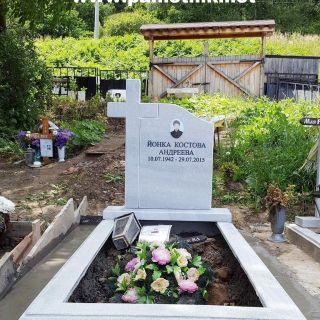 Надгробен паметник от мрамор Модел 84