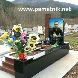 Надгробен паметник от гранит с триплекс МОДЕЛ 6