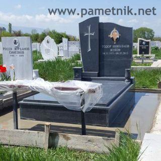 Надгробен паметник от гранит МОДЕЛ 705