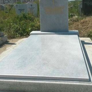 Надгробен паметник от мрамор Модел 615