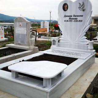 Надгробен паметник от мрамор Модел 647