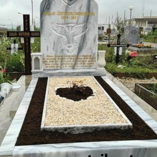 Надгробен паметник от мрамор Модел 626